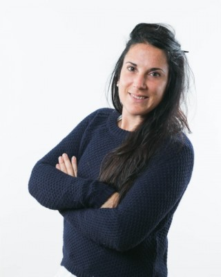 """הצוות - דניאלה הוכמן-  דסק תכניות לישראל תכניות סטודנטים, מבוגרים ו""""שנת הדרכה"""""""